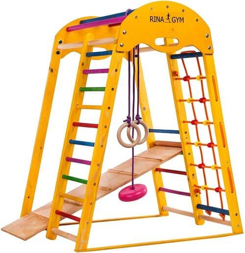 Indoor Spielplatz aus Holz für Kinder mit Kletternetz